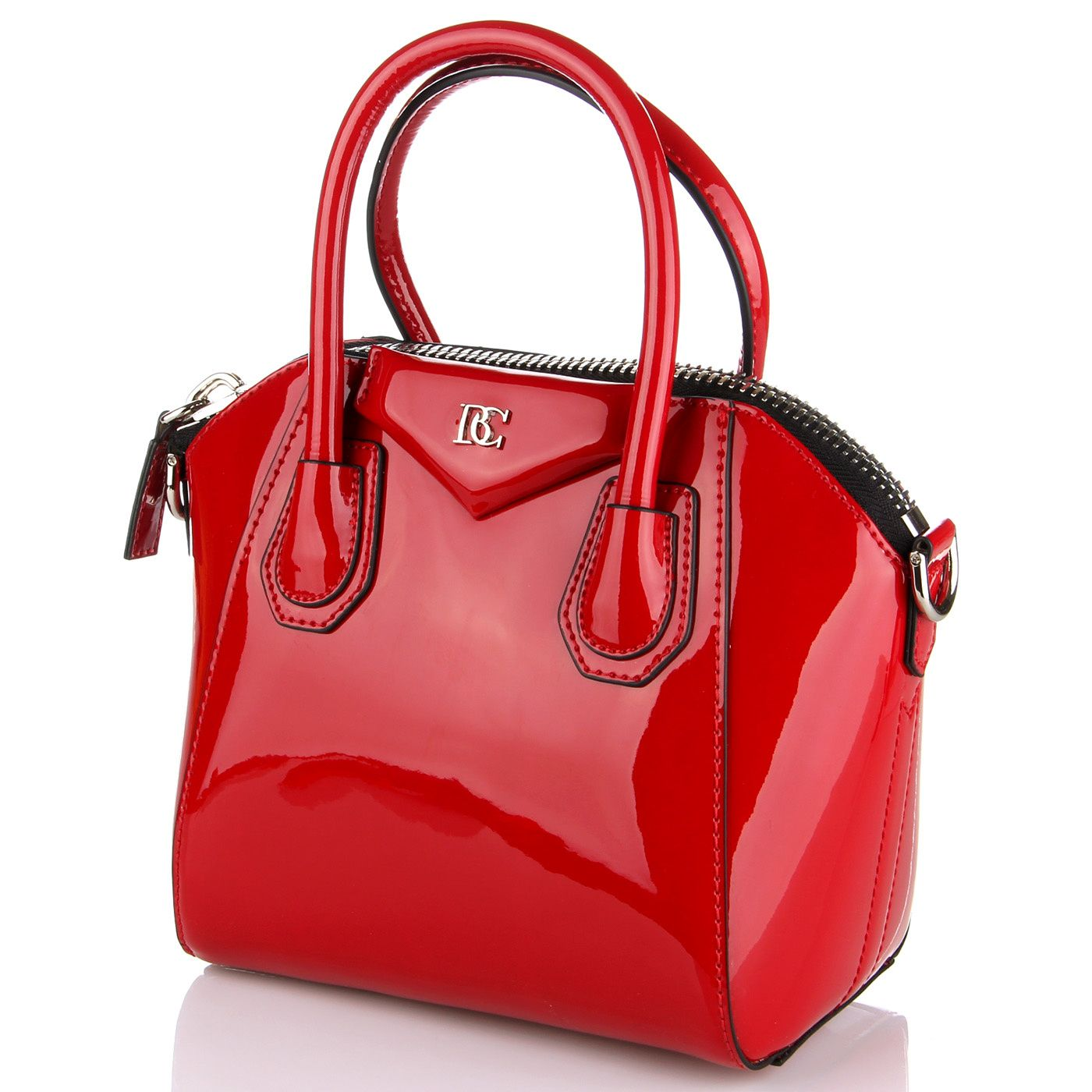 Стильная лаковая сумка красного цвета