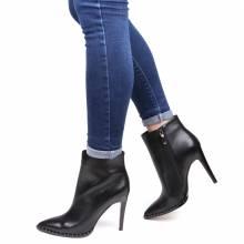 b3496724ed28f6 Розпродаж брендового взуття в Києві, Харкові - купити взуття зі ...